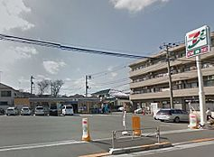 セブンイレブン 八王子散田1丁目店(291m)