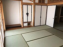 和室2室(続き間)押し入れ。床の間、仏壇入れ、神棚スペースあり