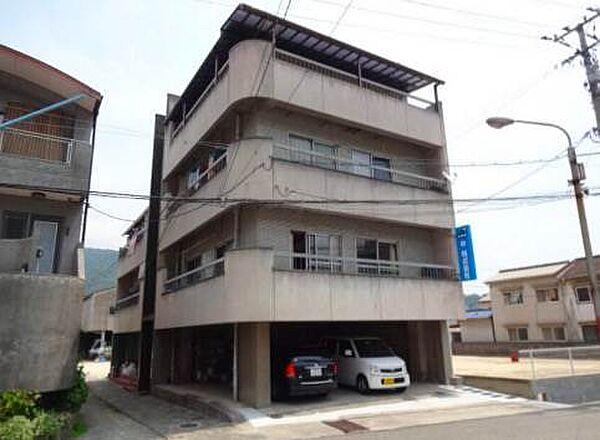 広島県呉市広白岳3丁目の賃貸アパート