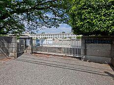 青梅市立第三小学校 距離680m