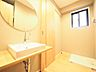 洗濯機を置ける家事室にも洗面台があります。隣接しているWICからもアクセスでき奥様の家事動線も良好です。,3LDK,面積72.82m2,価格4,199万円,西武新宿線 田無駅 徒歩4分,,東京都西東京市田無町3丁目