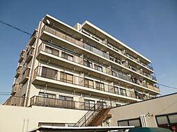 東京都福生市武蔵野台2丁目の賃貸マンションの外観