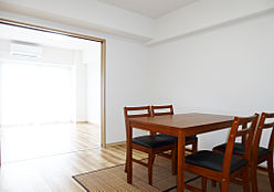 リビングと続間の洋室を開放し、LDKとして空間を広げられます。