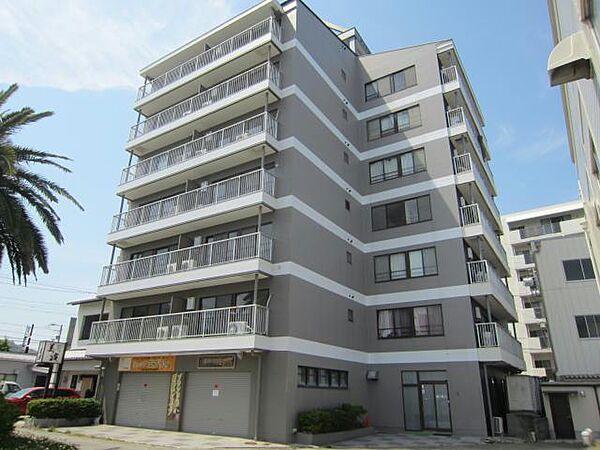 徳島県鳴門市撫養町南浜字東浜の賃貸マンションの外観