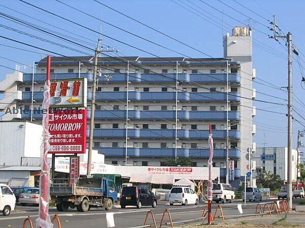 パールメゾン松茂[306号室]の外観