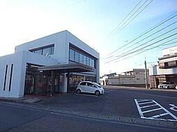 十六銀行島支店1250m